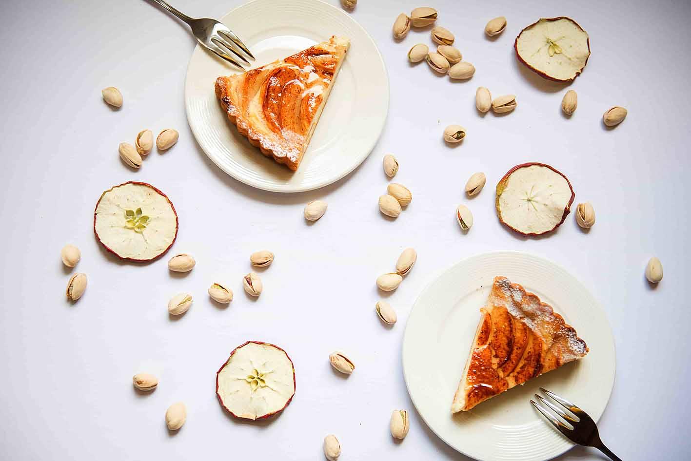 Пирог с облепиховым маслом и яблоками
